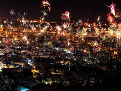 kosovo-public-holidays-fireworks