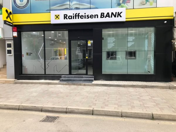 raiffeisen bank in kosovo